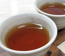 湯呑に注いだなたまめっ茶